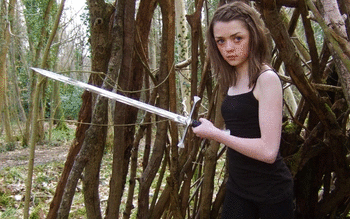Maisie Williams screenshot 5