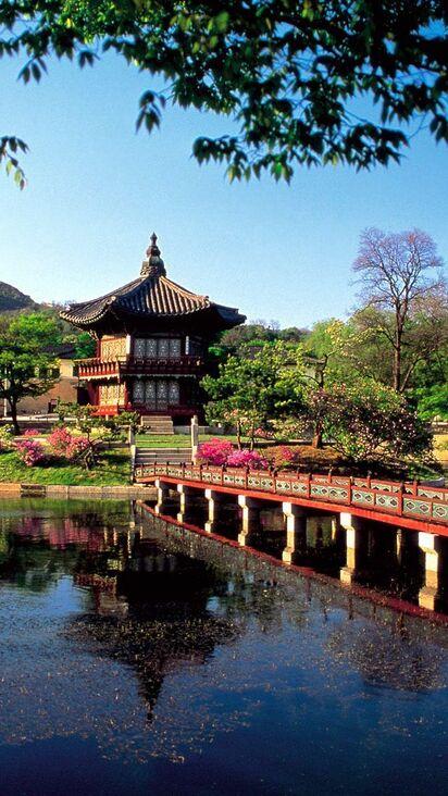 Ryongwang Pavilion Lake Seoul South Korea Wallpaper Free