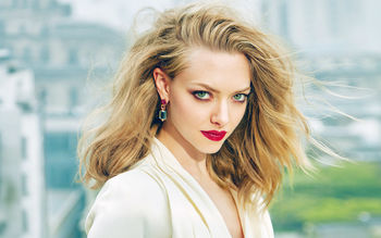 https://www.softpaz.com/wallpapers/thumbs/amanda-seyfried-elle-2017.jpg