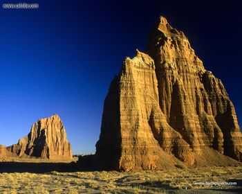 Utah. Capitol Reef National Park. Cathedral Valley Temmples Of The Sun And The Moon. screenshot